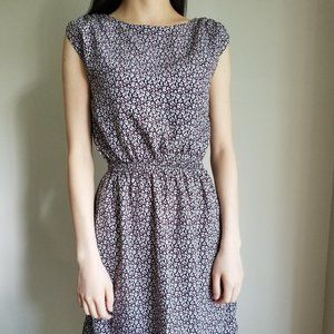 BNWT Easy and Simple Summer Dress